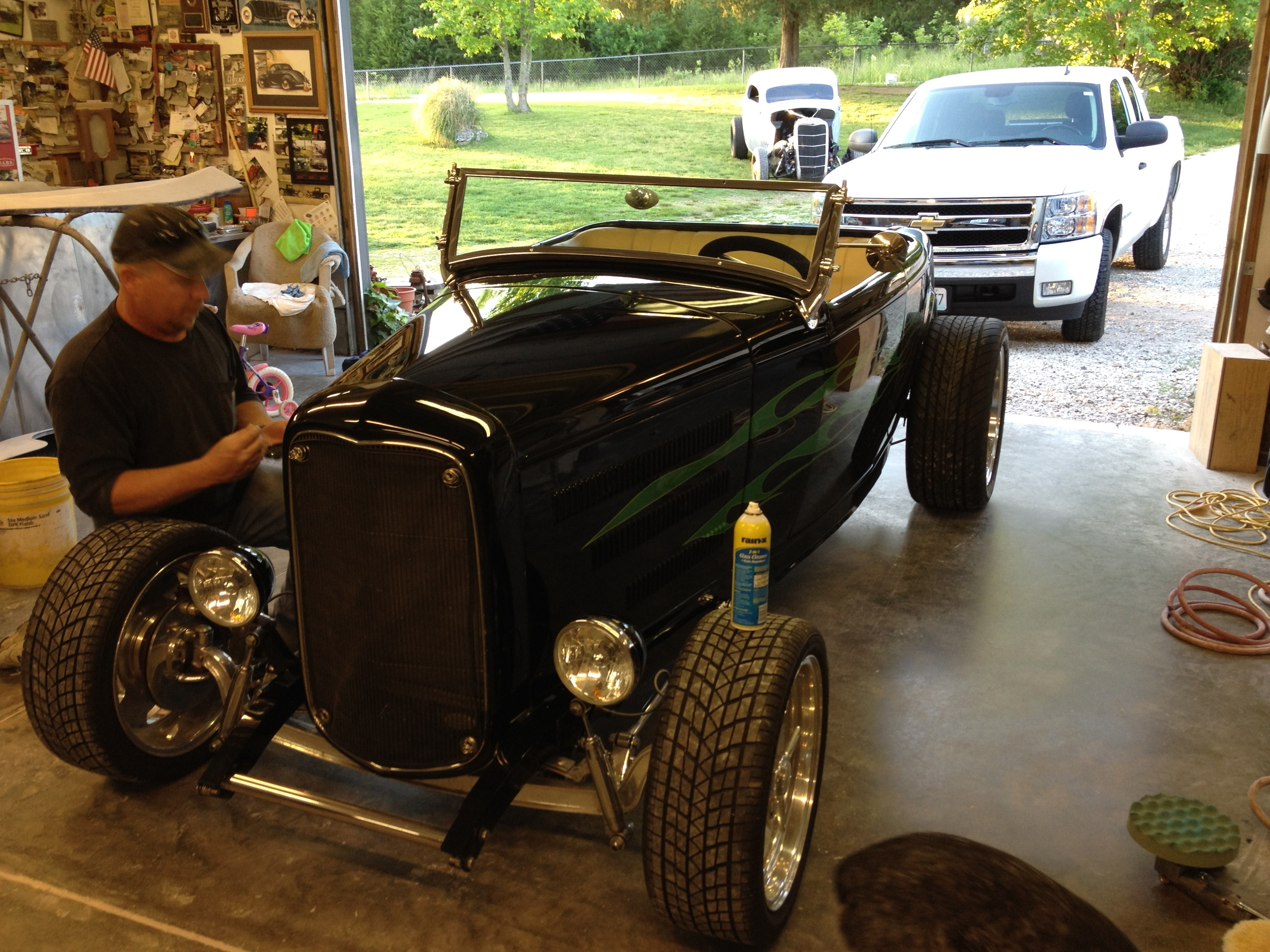 M and L Customs – Buffing the '32