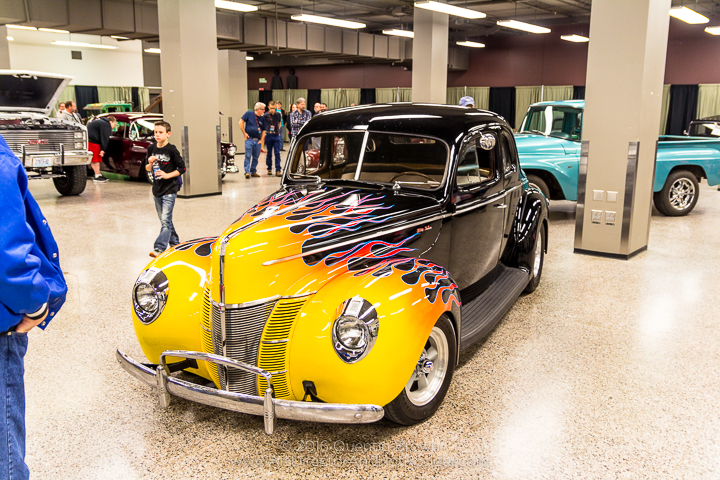 2016-12-1-3rd_annual_hot_rod_holiday_indoor_car_show-006