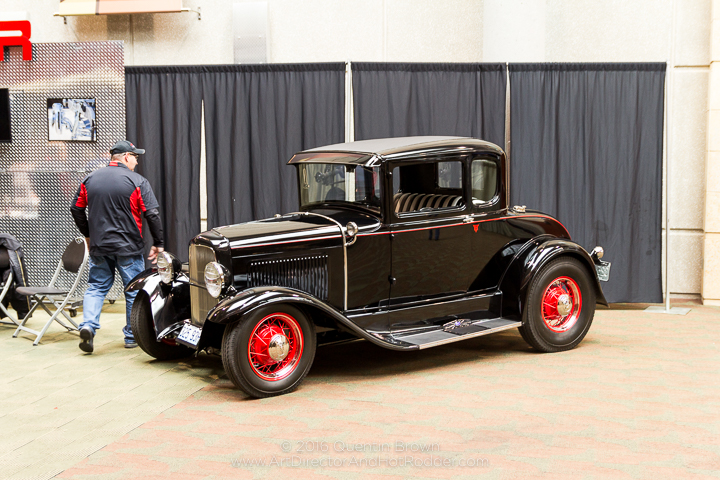 2016-12-1-3rd_annual_hot_rod_holiday_indoor_car_show-008