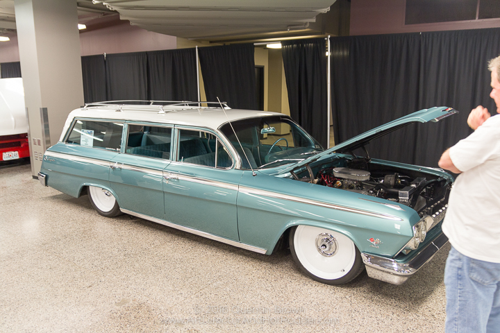 2016-12-1-3rd_annual_hot_rod_holiday_indoor_car_show-019
