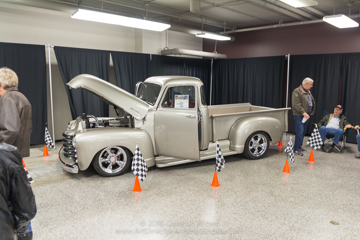 2016-12-1-3rd_annual_hot_rod_holiday_indoor_car_show-021