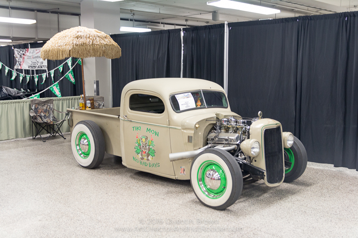 2016-12-1-3rd_annual_hot_rod_holiday_indoor_car_show-022