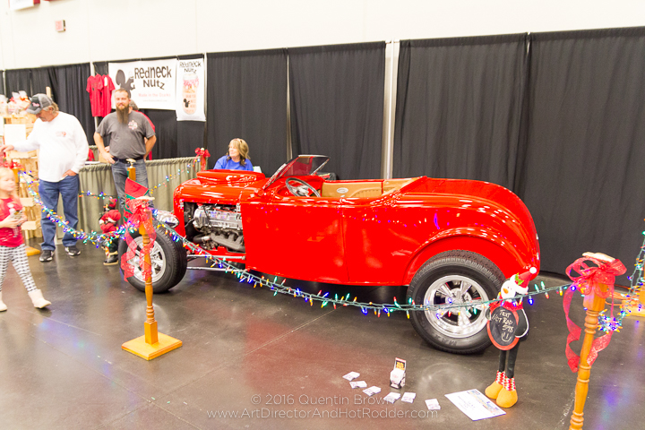 2016-12-1-3rd_annual_hot_rod_holiday_indoor_car_show-031