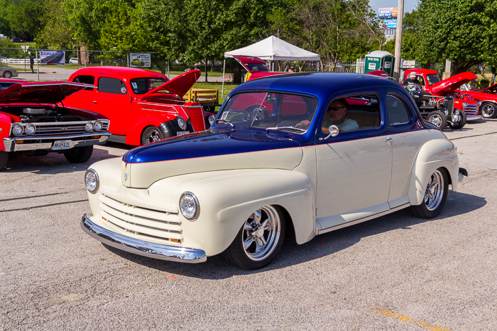 2017-05-26-34th_Annual_NSRA_Mid_America_Street_Rod_Nationals_Plus_Day_1-021
