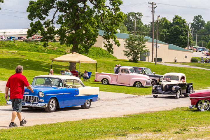 2017-05-26-34th_Annual_NSRA_Mid_America_Street_Rod_Nationals_Plus_Day_1-084