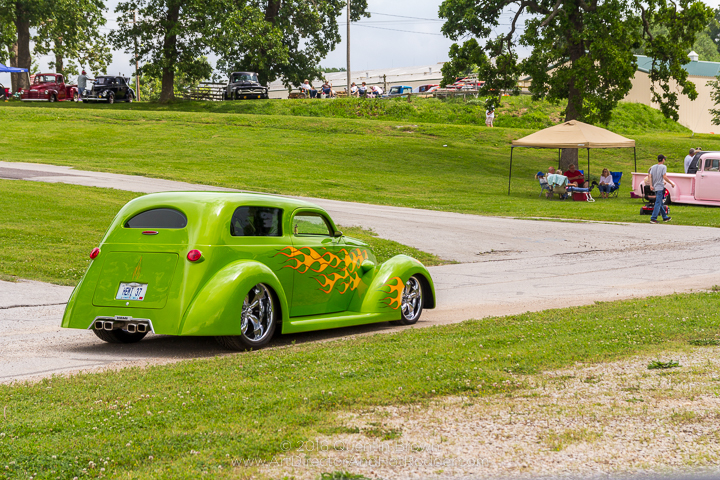 2017-05-26-34th_Annual_NSRA_Mid_America_Street_Rod_Nationals_Plus_Day_1-096