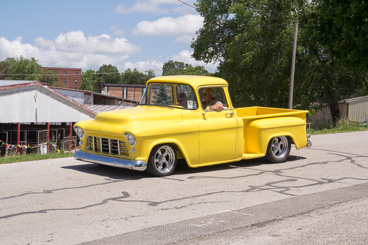 2017-05-26-34th_Annual_NSRA_Mid_America_Street_Rod_Nationals_Plus_Day_3-120