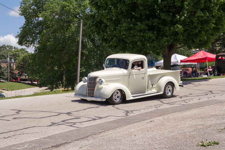 2017-05-26-34th_Annual_NSRA_Mid_America_Street_Rod_Nationals_Plus_Day_3-161